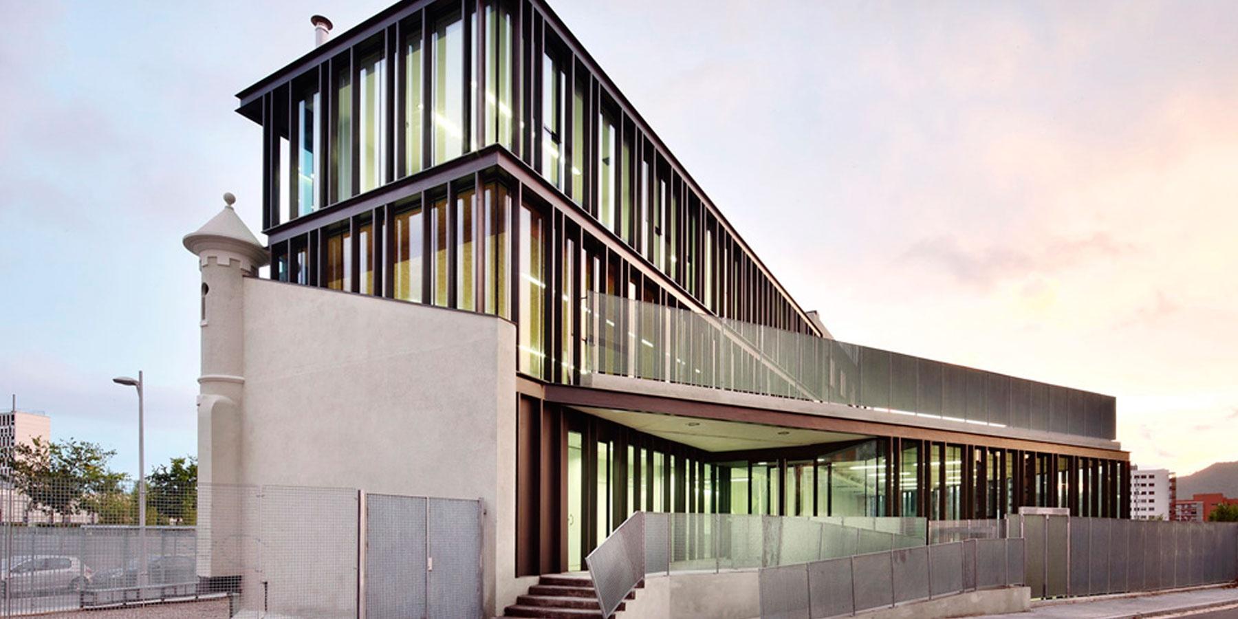 Estudios de barcelona gallery of centro de estudios - Estudio arquitectura barcelona ...