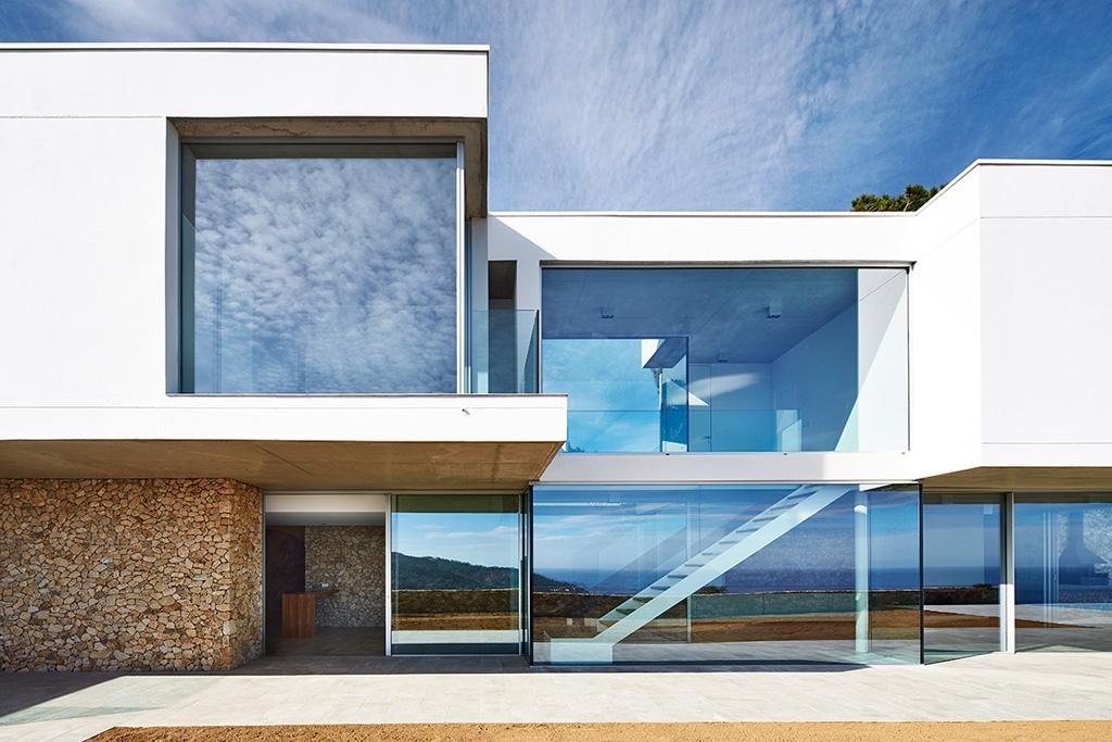 Construccin de una casa de diseo contemporneo en Begur Costa Brava