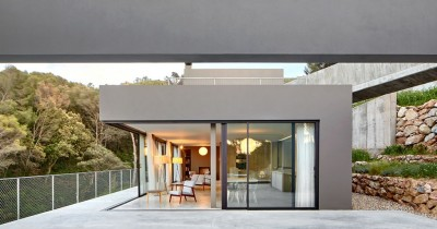 Construction of a modern style house in Costa Brava