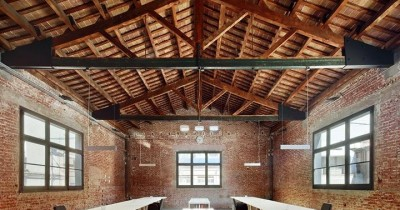 Office in a renovated industrial building in Terrassa