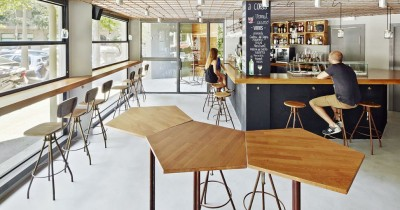 Wooden and steel interior furniture in a Bar in l'Eixample